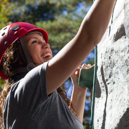 climbing-525768_1920